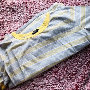 💛RUE 21 yellow striped crop top fitted shirt 💛